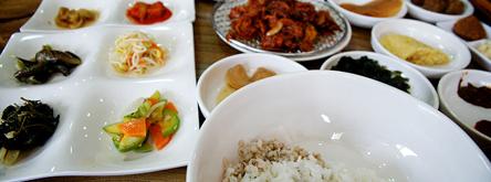 보리산업특구의 보리밥정식