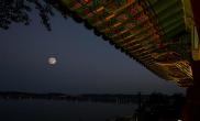 다섯 개의 달이 뜨는 곳, 강릉 경포대