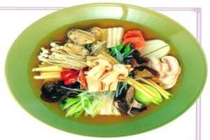 송이요리(칼국수, 버섯전골, 돌솥밥, 불고기, 샤브샤브),강원도 양양군,지역음식