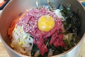 육회비빔밥,전라북도 익산시,지역음식