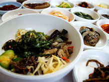 촌두부 요리와 함께 산채비빔밥