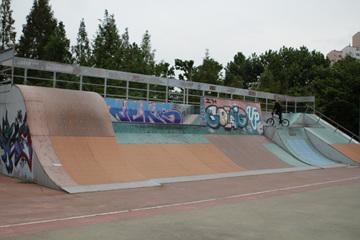 보라매공원에는 X-game장, 인공암벽등반장, 게이트볼장 등 각종 운동 시설이 마련돼 있다.