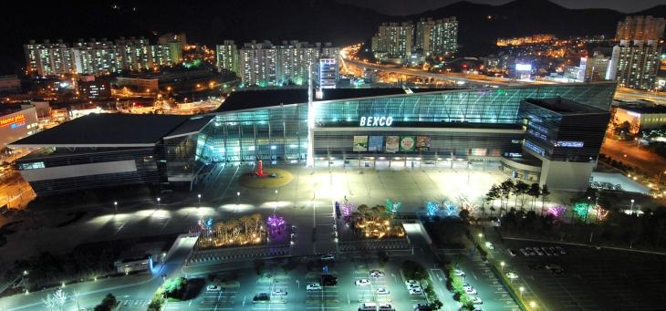 벡스코는 동남권 최대 규모의 전시장이자, 각종 국제회의의 단골 무대다.
