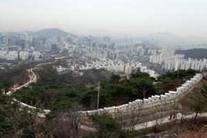 겨울의 인왕산·북악산 성곽길 걷기,서울특별시 성북구