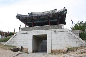 임진왜란의 치열한 격전을 보여준 동래읍성 ,부산광역시 동래구