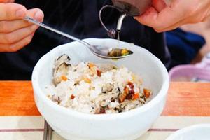 입안 가득 시원한 바다내음, 시흥 굴회덮밥과 해물칼국수,국내여행,음식정보
