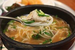사상구의 대표 별미, '돼지국밥' 맛보이소~,국내여행,음식정보