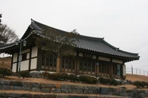 평택의 향토유적, 원균 장군 묘와 정도전 사당, 진위향교 대성전,경기도 평택시