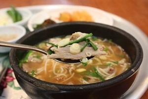 몸 덥혀주는 국밥부터 코끝 향기 감도는 민물고기까지,국내여행,음식정보