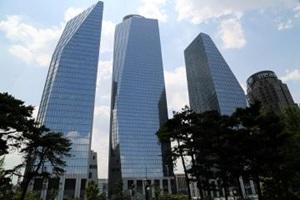 빌딩 아래 걷는 재미 쏠쏠한 여의도,서울특별시 영등포구