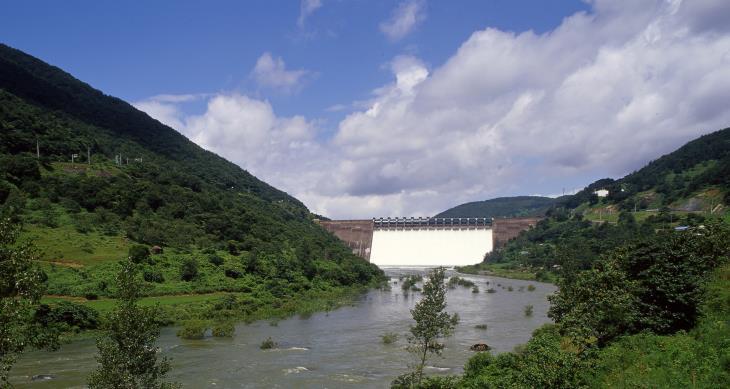 섬진강댐은 우리나라 최초의 다목적 댐이다.